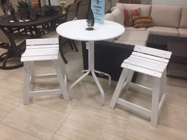 Kingston Table and 2 Stools