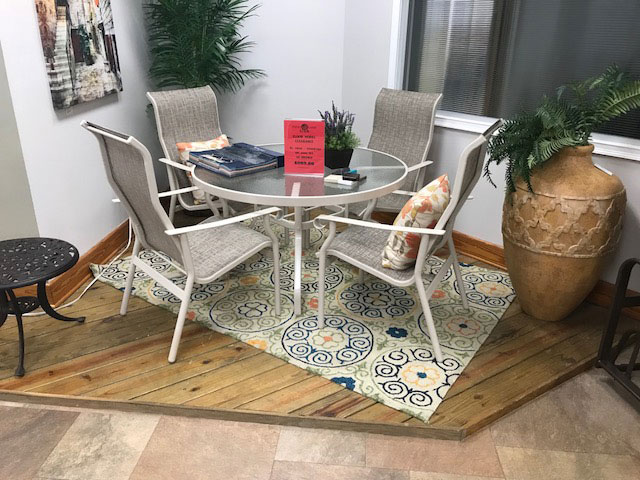 Windward 5pc. Dining Set