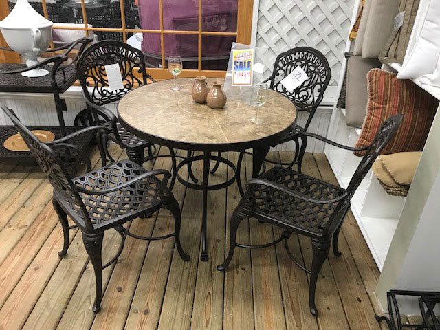 Hanamint 5pc. Dining Set